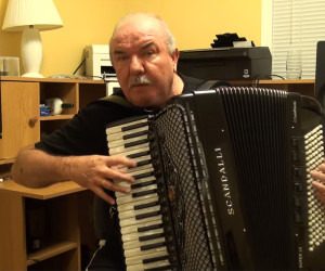 Crazy Fast Accordion Player