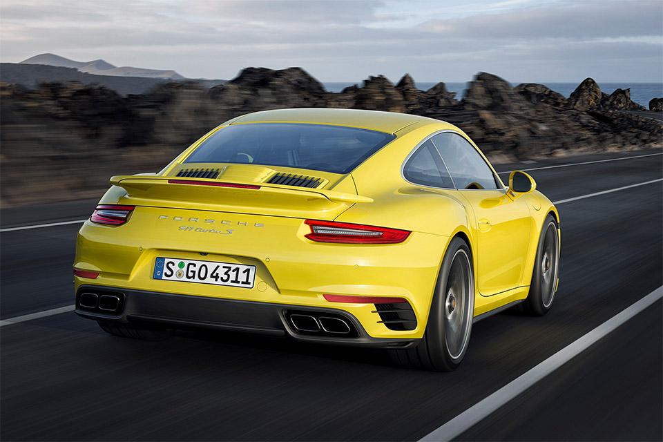 2017 Porsche 911 Turbo / Turbo S