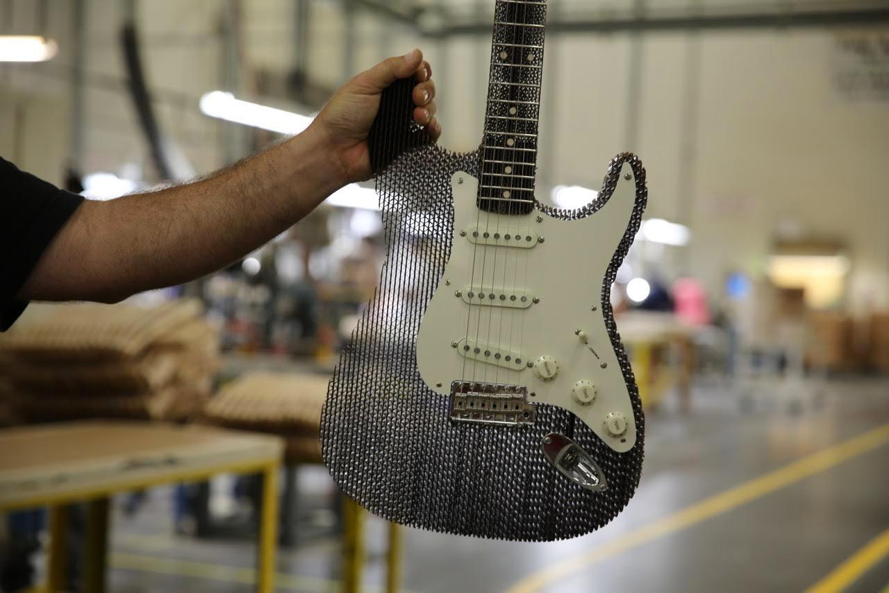 Cardboard Fender Stratocaster