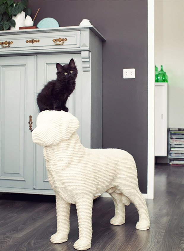 Dog-shaped Scratching Post