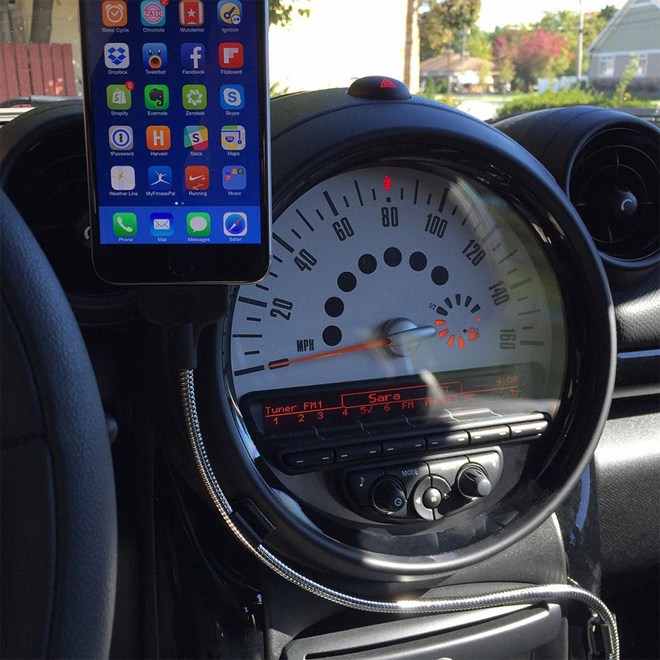 Deal: Bobine Auto iPhone Dock