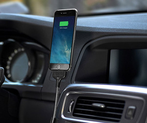 Deal: Bobine Auto iPhone Dock