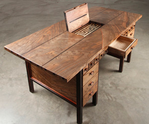 The Amazing Puzzle Desk