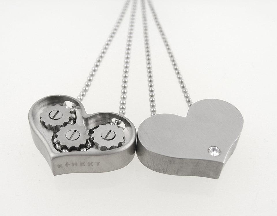 Kinekt Gear Necklace Mini