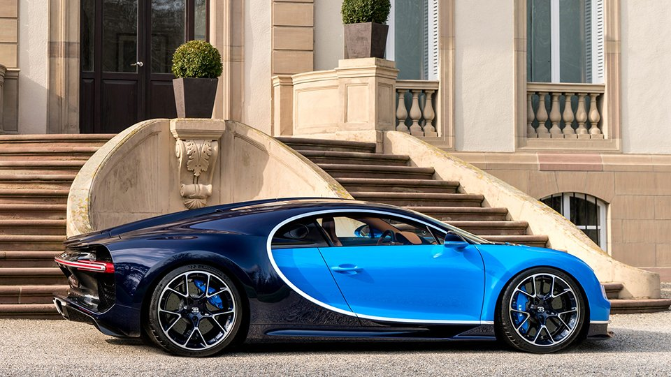 2017 bugatti chiron the awesomer. Black Bedroom Furniture Sets. Home Design Ideas