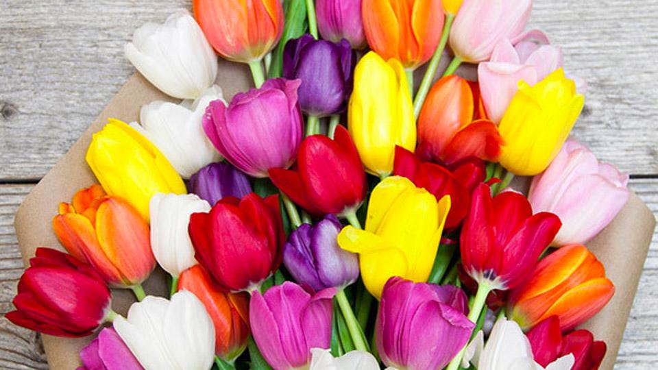 Deal: Bouqs Spring Flower Bouquet