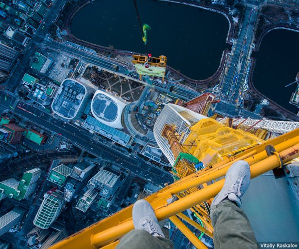 On the Roofs: Lotte World Tower