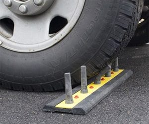 Rubber Driveway Spikes