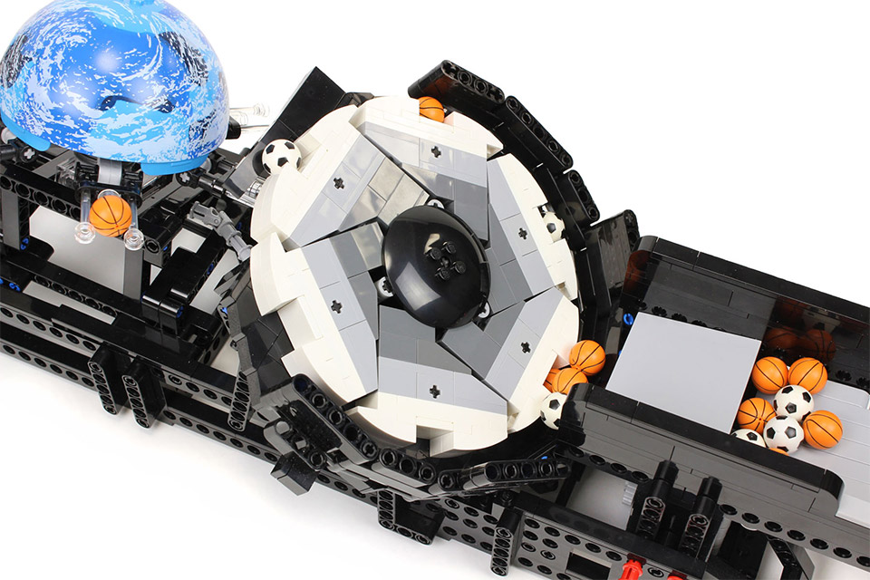 LEGO Planets Contraption