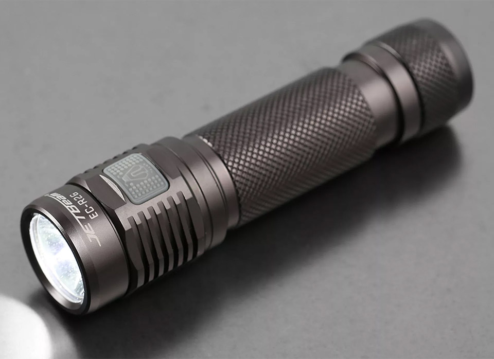 Jetbeam/Niteye EC-R26 Flashlight