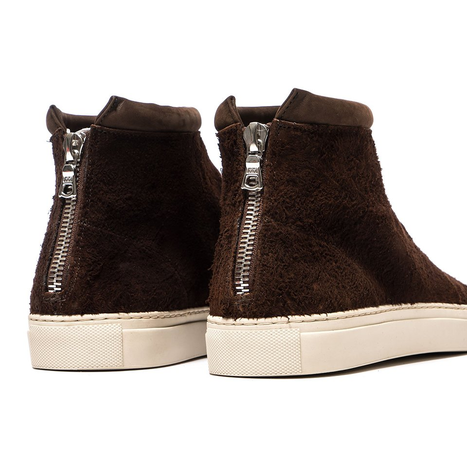 Nonnative Traveller Trainer Mid