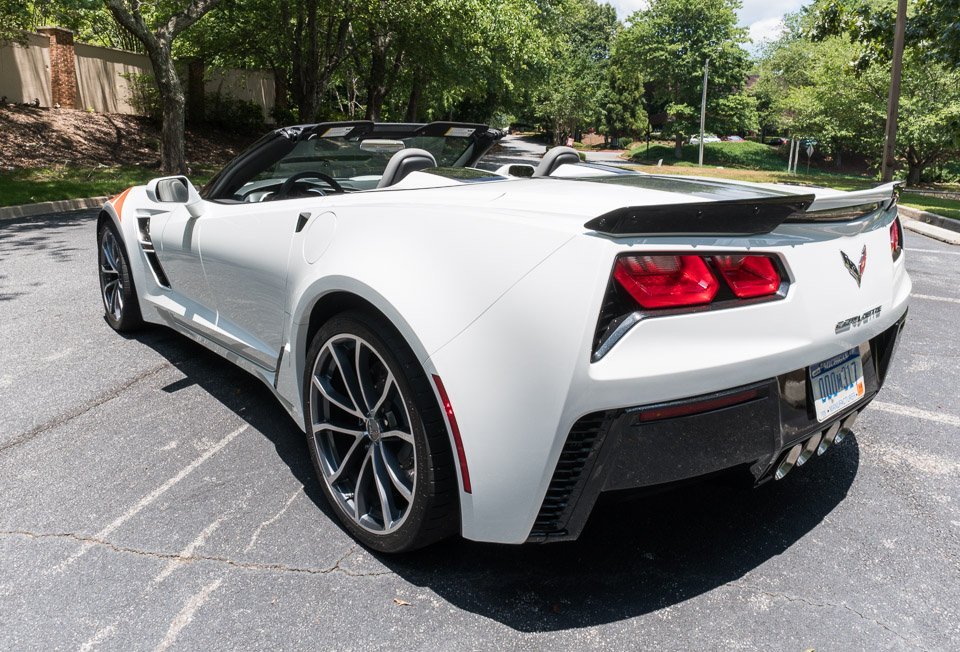 2017 chevrolet corvette grand sport the awesomer. Black Bedroom Furniture Sets. Home Design Ideas