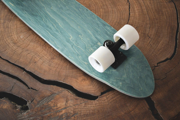 Rollholz Skateboards