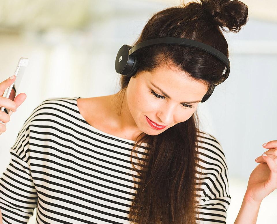 Deal: Franklin Bluetooth Headphones