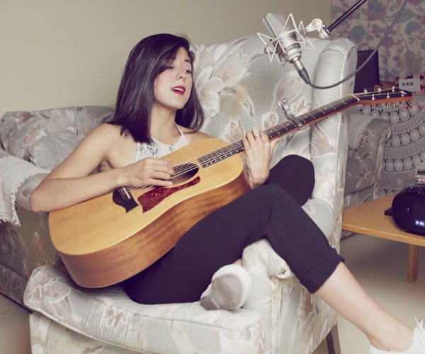 Daniela Andrade: Where Is My Mind?