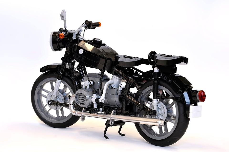lego bmw r60 2 concept the awesomer. Black Bedroom Furniture Sets. Home Design Ideas