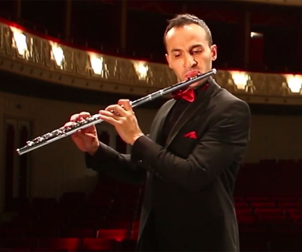 World's Fastest Flute Player