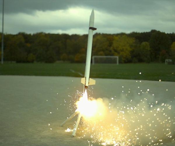 Model Rockets in Slow Motion
