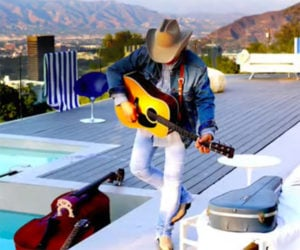 Dwight Yoakam: Purple Rain