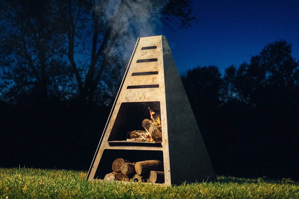 Blaze Tower Fire Pit