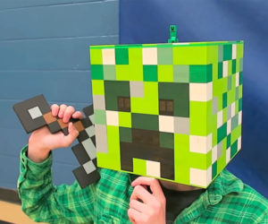 DIY Wearable LEGO Creeper Head