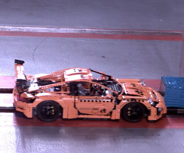 LEGO Porsche Crash Test