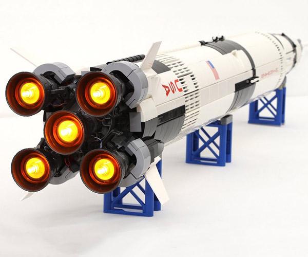LEGO Saturn V Modded