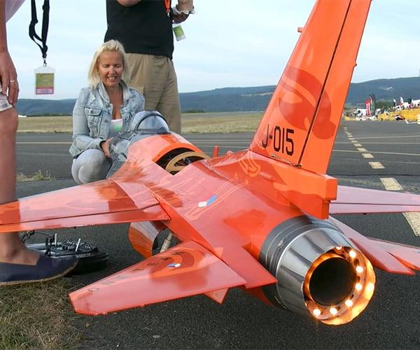 F-16 R/C Plane