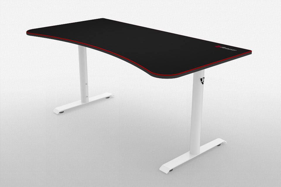 Arozzi Arena Gaming Desk Has A Huge Mousepad Surface