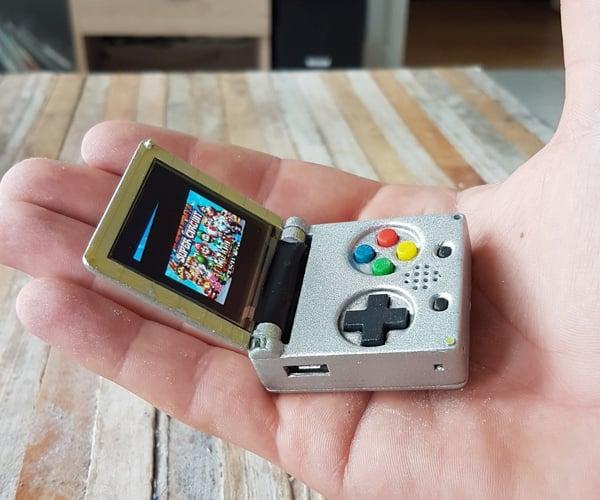 Keymu Keychain Retro Console