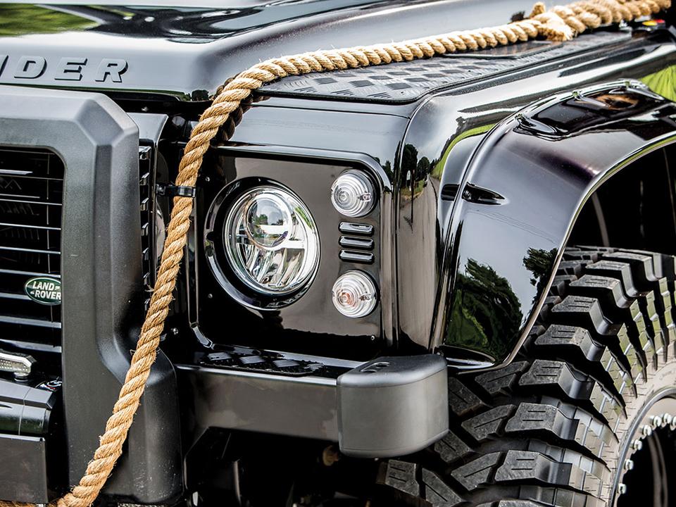 Land Rover Spectre Defender