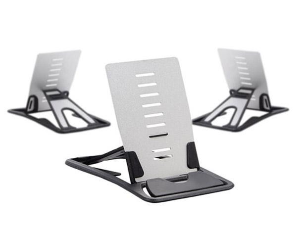 Deal: Credit Card Gadget Stand