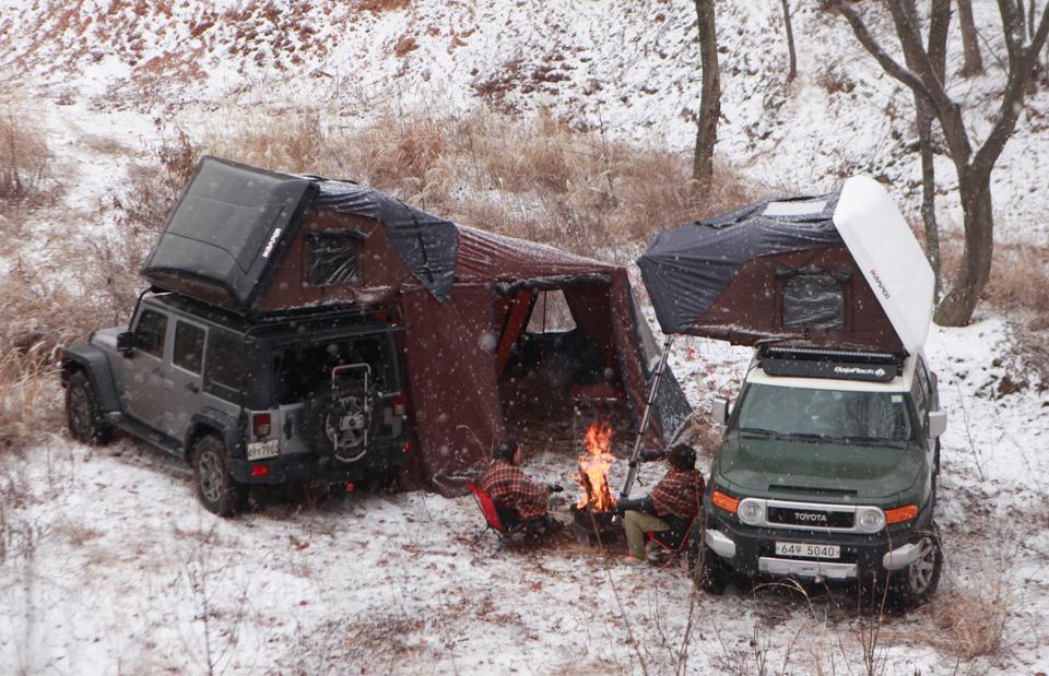 Skycamp Car-top Tent