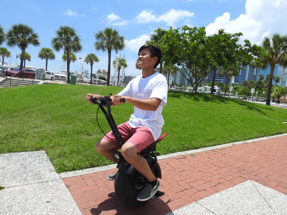 Uno Bolt Electric Unicycle