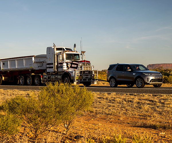 Land Rover Tows 121-Ton Trailer