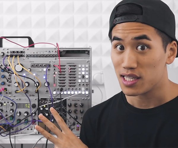 Andrew Huang: Modular Synthesizers
