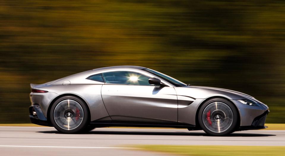 The 2019 Aston Martin Vantage Is The Db11 S Wild Little Brother