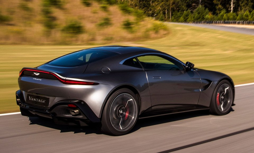 the 2019 aston martin vantage is the db11 39 s wild little brother. Black Bedroom Furniture Sets. Home Design Ideas