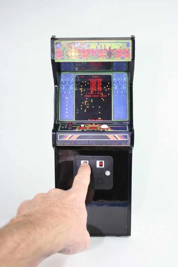 This 12 Quot Tall Centipede Arcade Machine Is A Fully