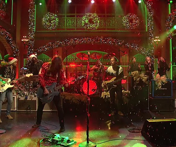 Foo Fighters: Christmas Medley