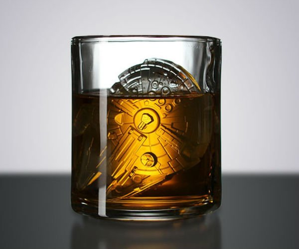 Deal: Millennium Falcon Ice Molds