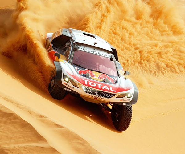 Peugeot 3008 DKR Maxi: Desert Ballet