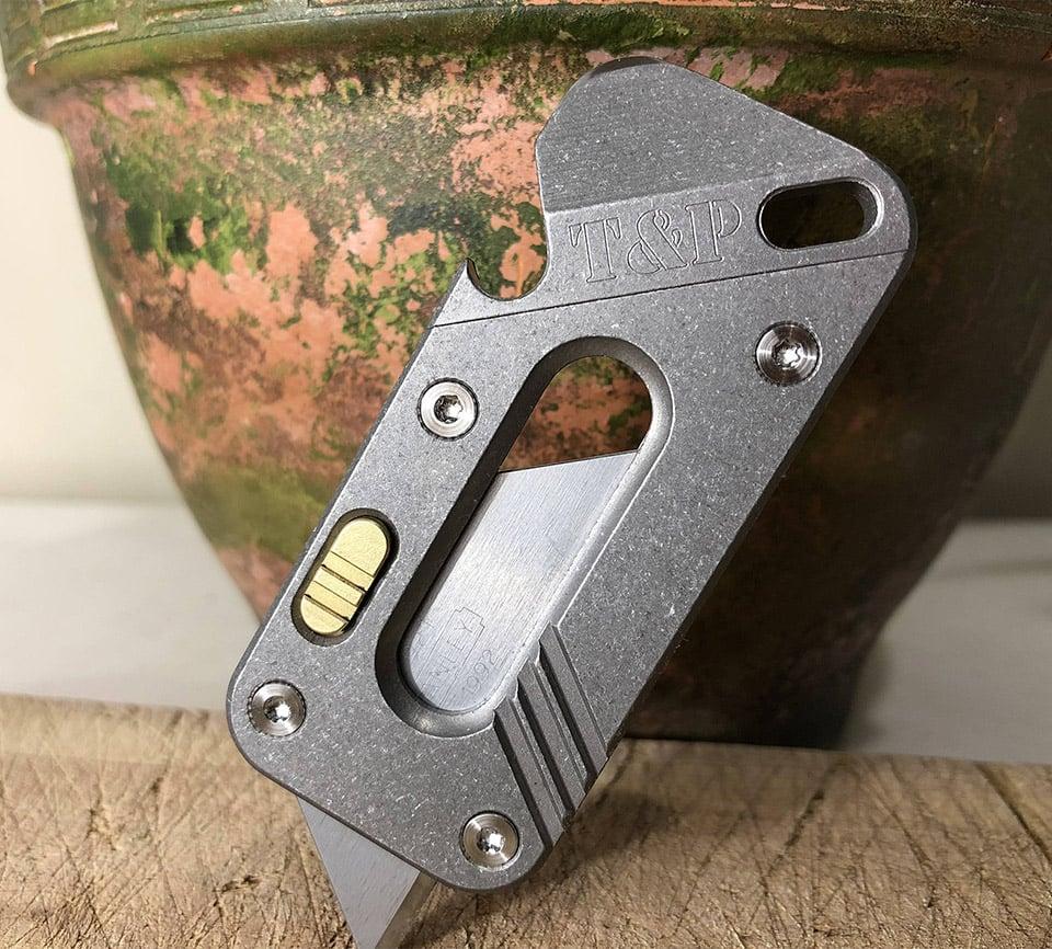AVIS Titanium Tool