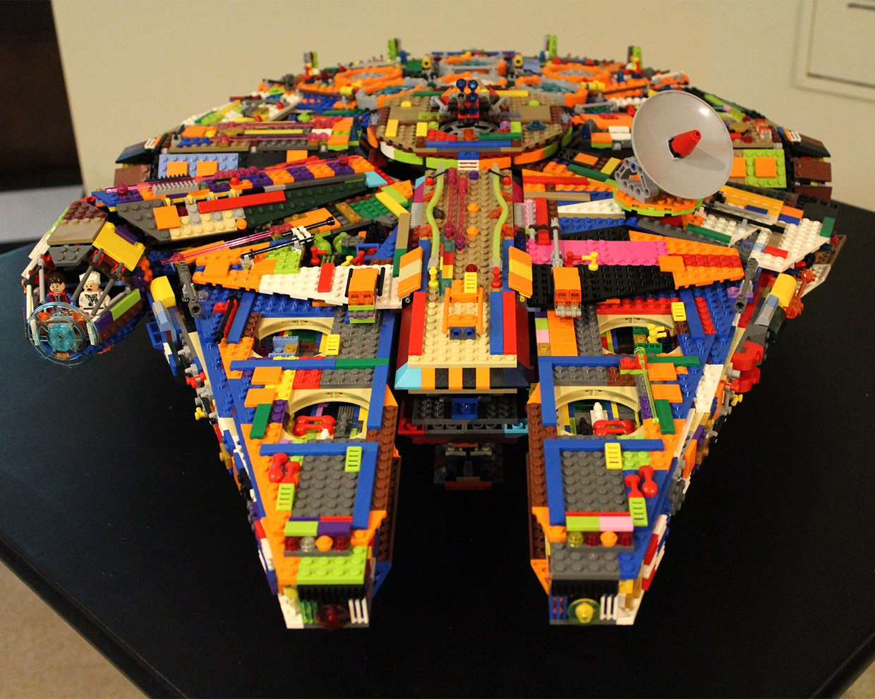 LEGO Color Millennium Falcon