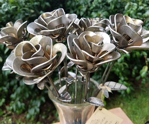 MetalRelic Forever Roses