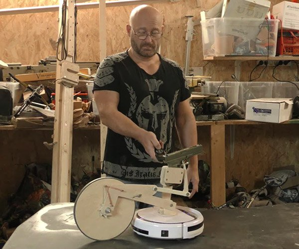 Fully-armed Vacuum Robot