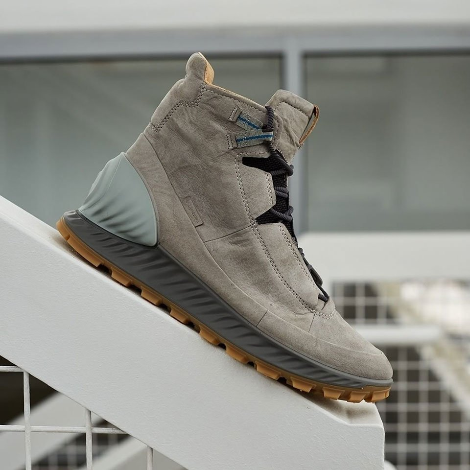 Ecco Exostrike Boots