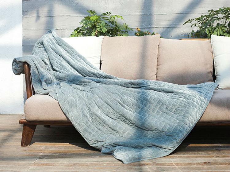 Deal: Gravis Weighted Blanket