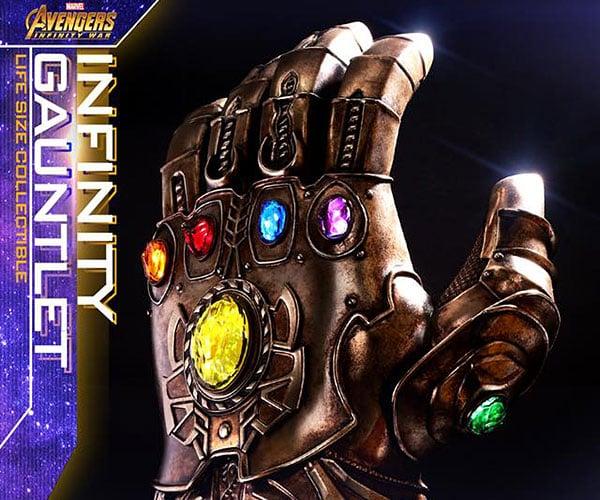 Hot Toys Life-size Infinity Gauntlet