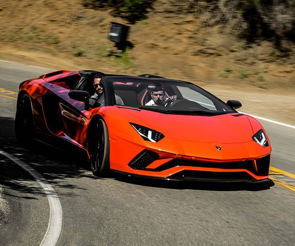 Lamborghini Hurac 225 N Performante Spyder Is A Lightweight